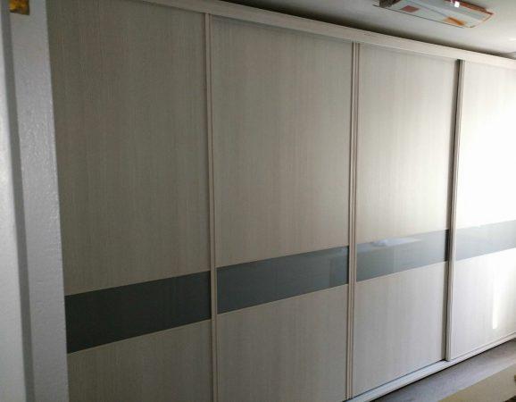armario-melamina-y-cristal-lacado-en-gris